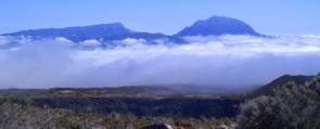 Wolken am Piton de la Fournaise