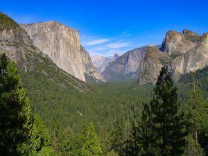 Wanderung zu den Vernall Falls im Yosemite Nationalpark