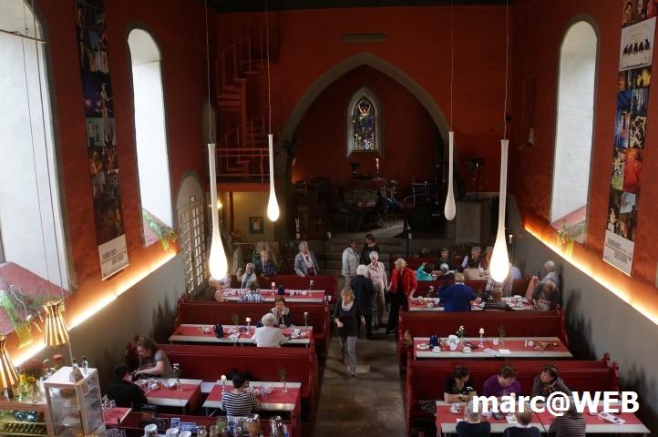 Café in einer alten Kirche