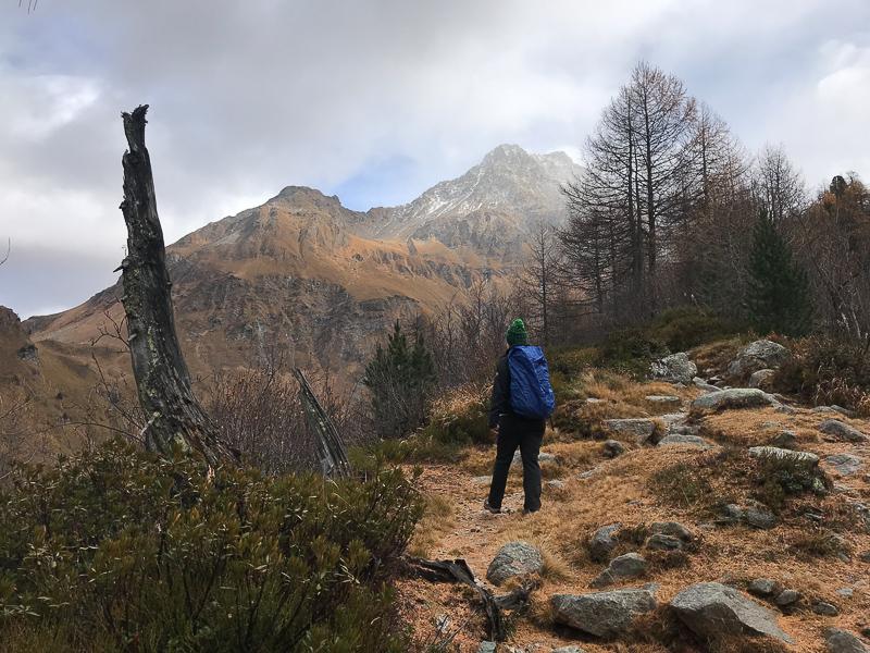 Herbstliche Bergwelt bei Maloja im Engandin