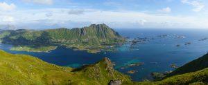 Wanderung auf den Smørdalskammen auf den Lofoten